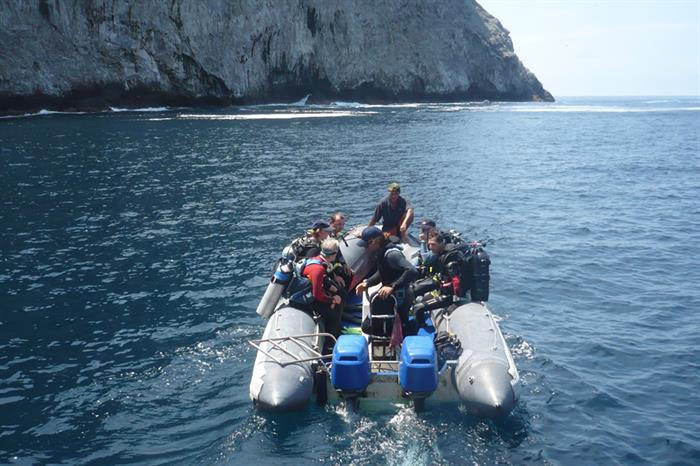 Dive tender to dive site - Cocos - Malpelo - Inula Liveaboard