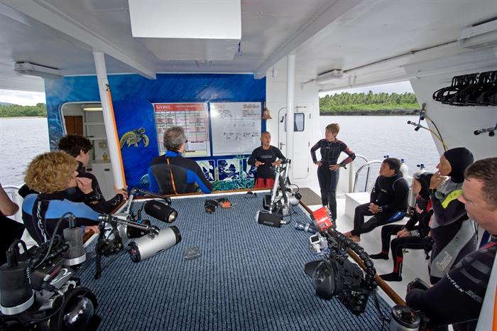 Dive briefing onboard Atlantis Azores