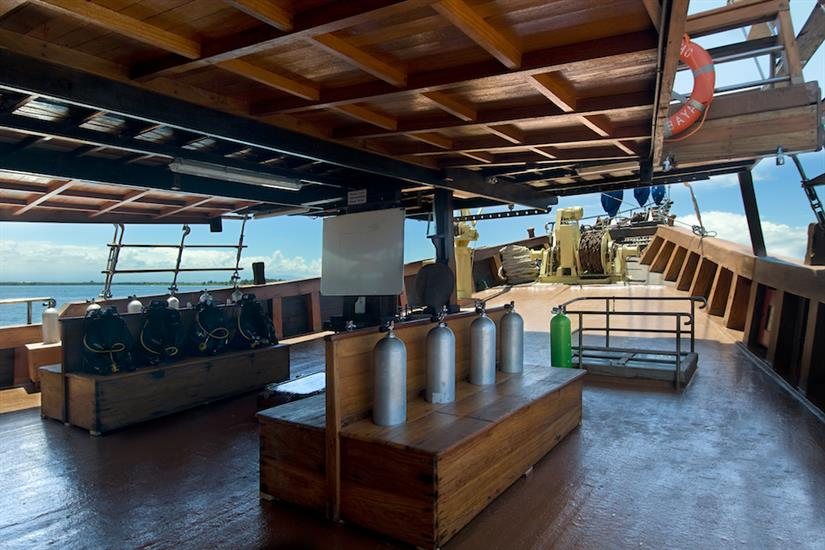 Spacious dive deck - Cheng Ho Indonesia