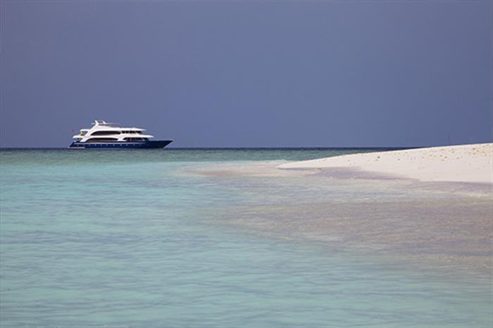 Explore the Maldivian Atolls - Duke of York