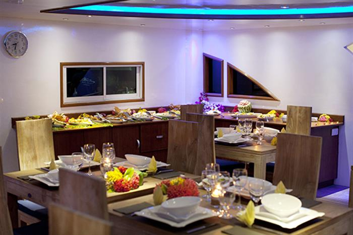 Indoor dining area - Duke of York Liveaboard