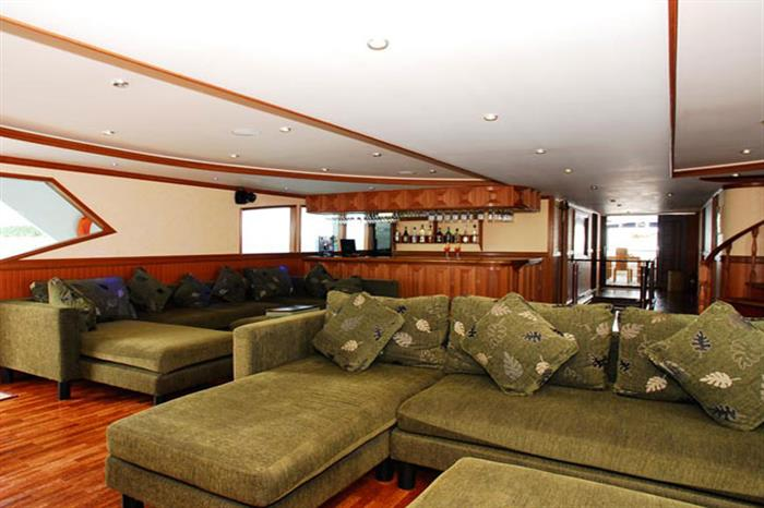Indoor lounge area - Duke of York Liveaboard