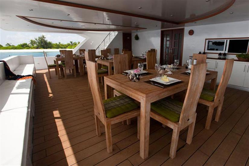 Duke of York Liveaboard - Outside dining area
