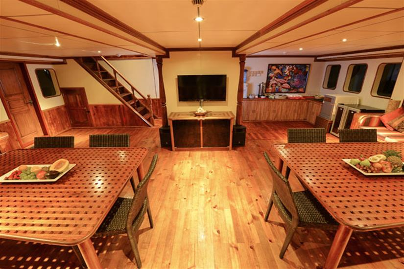 Indoor Dining Area - Carpe Diem Liveaboard