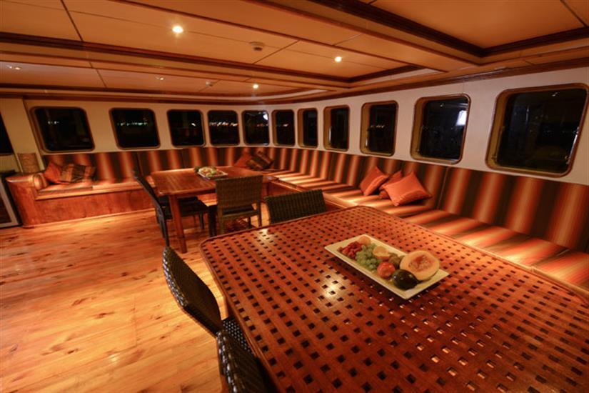 Spacious indoor salon - MV Carpe Diem Liveaboard