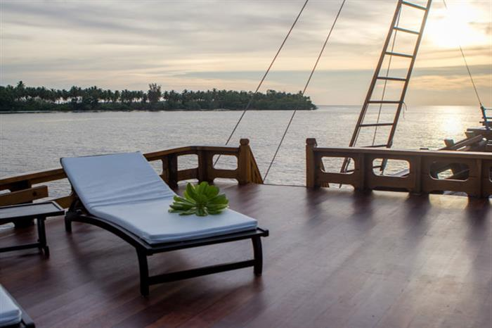 Relax and enjoy the views - Euphoria Liveaboard
