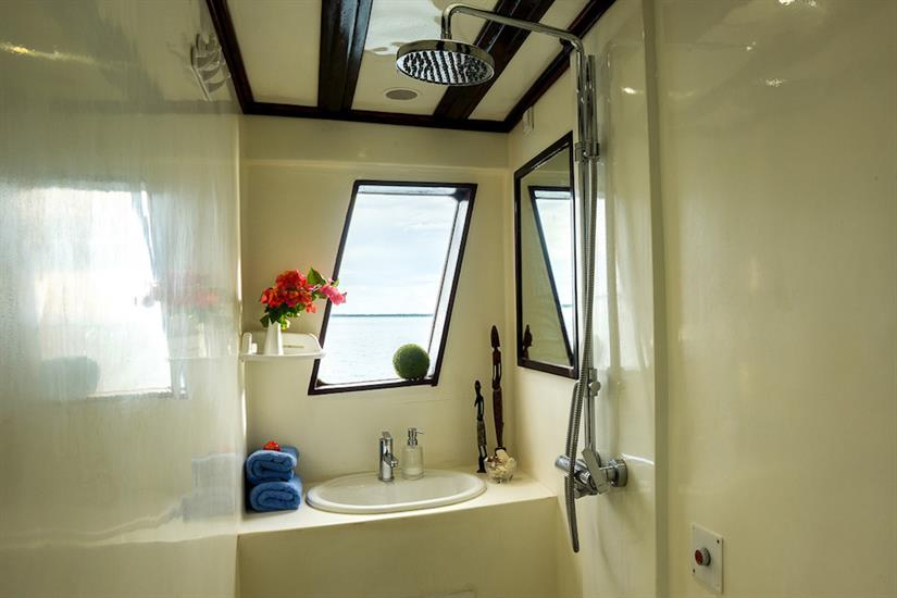 Bathroom facilities en-suite - Euphoria Liveaboard