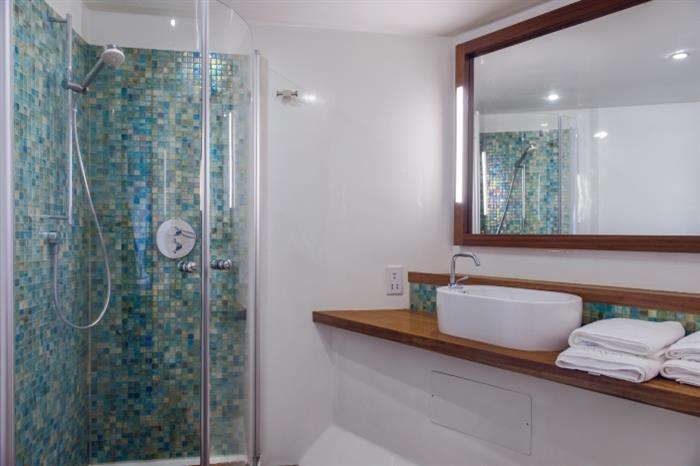 Scubaspa Ying Liveaboard Manta Suite EnSuite