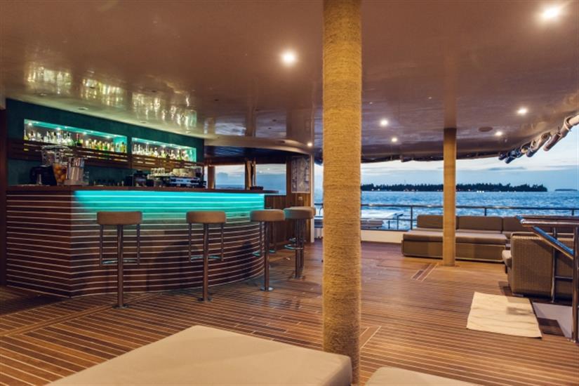 Scubaspa Ying Liveaboard Bar Area