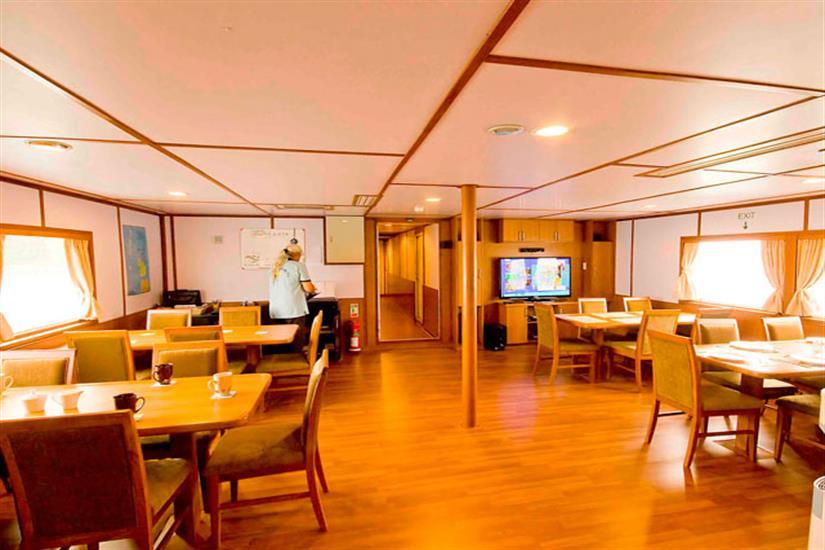 Indoor Dining Area - Infiniti Liveaboard