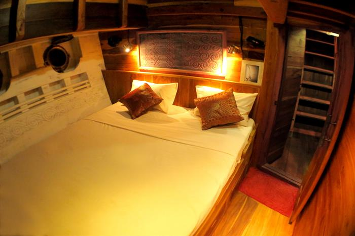 Double Cabin - Calico Jack Liveaboard
