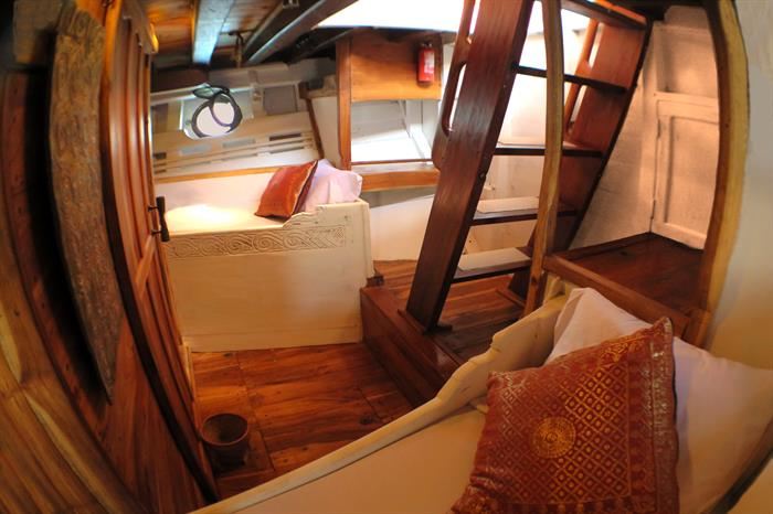 Twin Cabin - Calico Jack Liveaboard