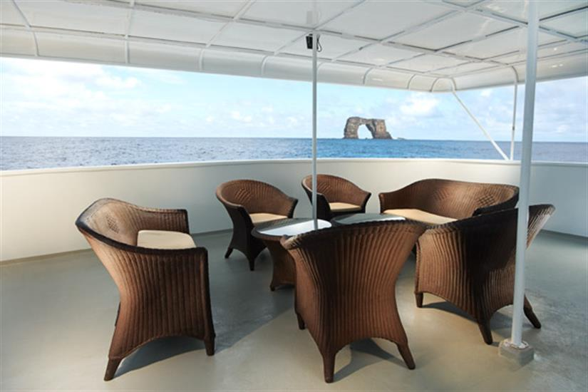 Outdoor Lounge Area - Galapagos Master