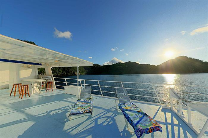 Sea Hunter Liveaboard Sun Deck