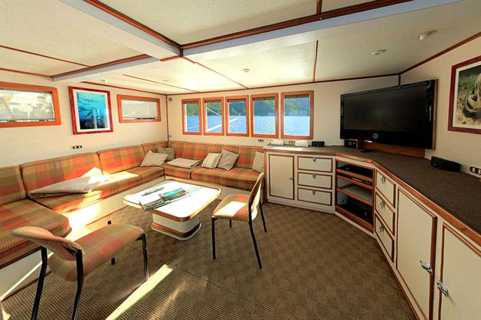 Sea Hunter Liveaboard Indoor Salon