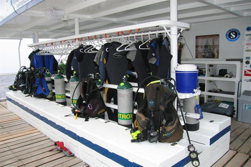 Undersea Hunter Liveaboard Dive Deck