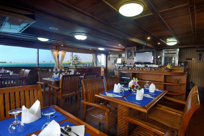 Dining area - Sea Safari VI