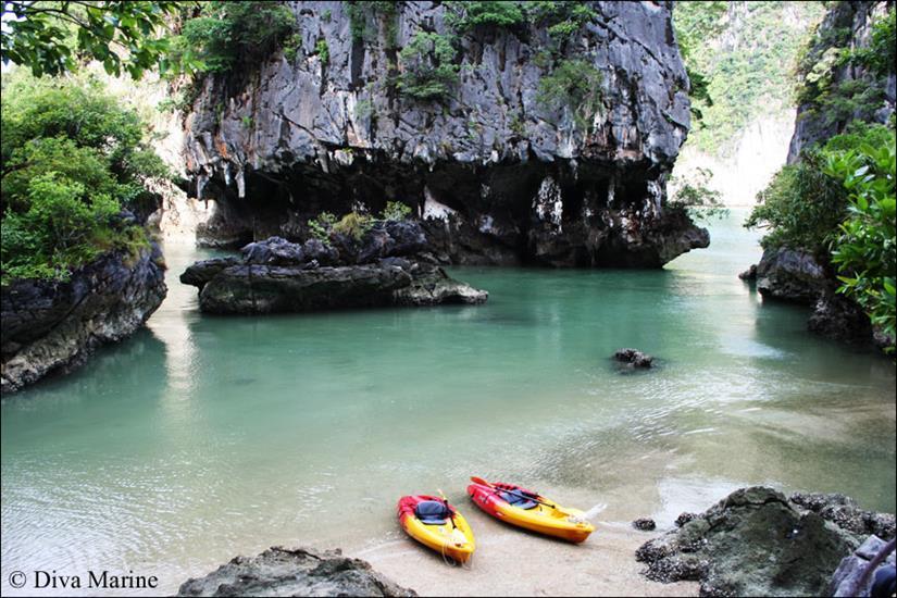 Kayaking through the Islands