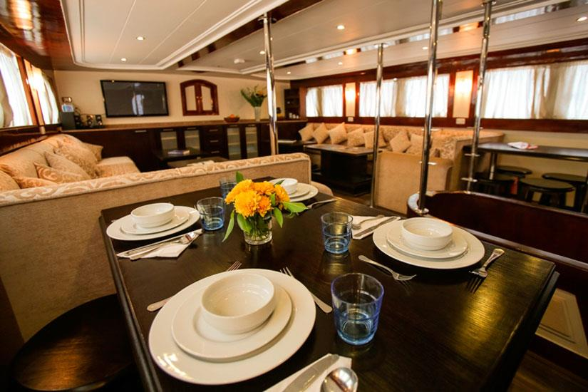 Dining/Salon area - South Moon Liveaboard
