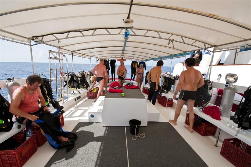 Spacious diving Dhoni - MV Theia