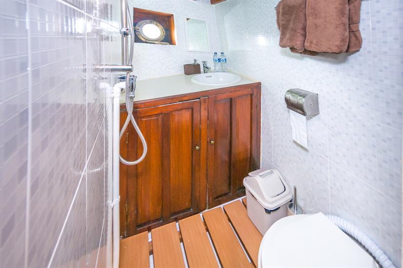 En-suite bathrooms - SMY Ondina Indonesia