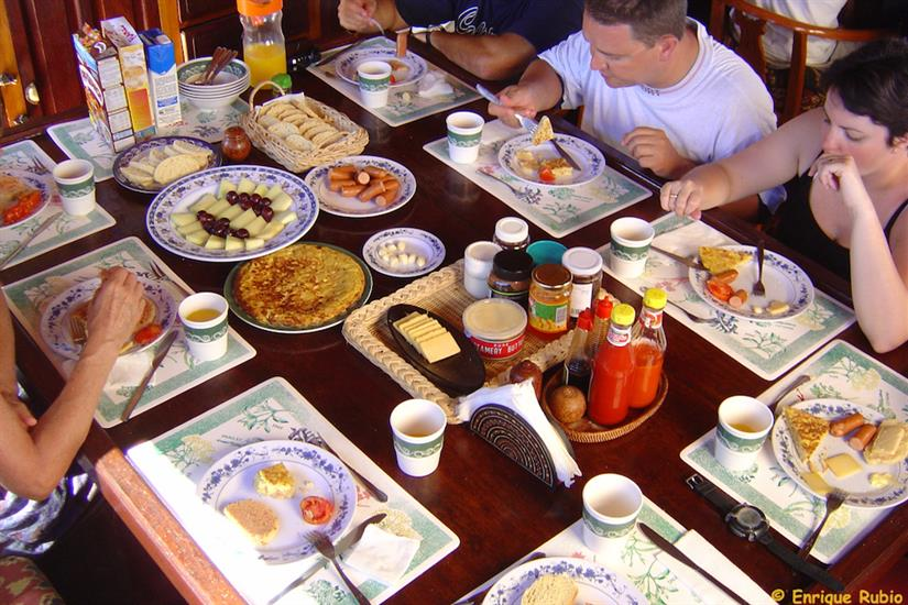 A hearty breakfast before diving