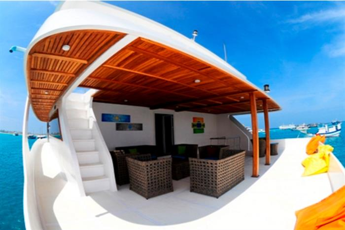 Enjoy the Maldivian views onboard Princess Handy