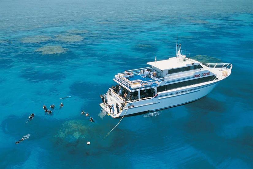 Dive amazing reefs on the Great Barrier Reef - ScubaPro III