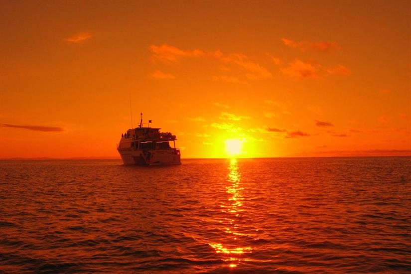 Spectacular sunset colours - ScubaPro III liveaboard