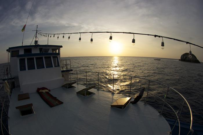 Gorgeous sunsets on the Thai Sea Liveaboard