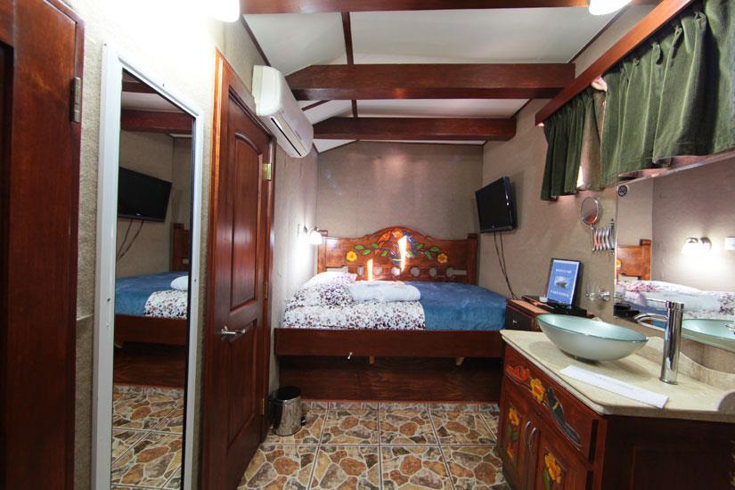Deluxe double cabin - MV Valentina Liveaboard