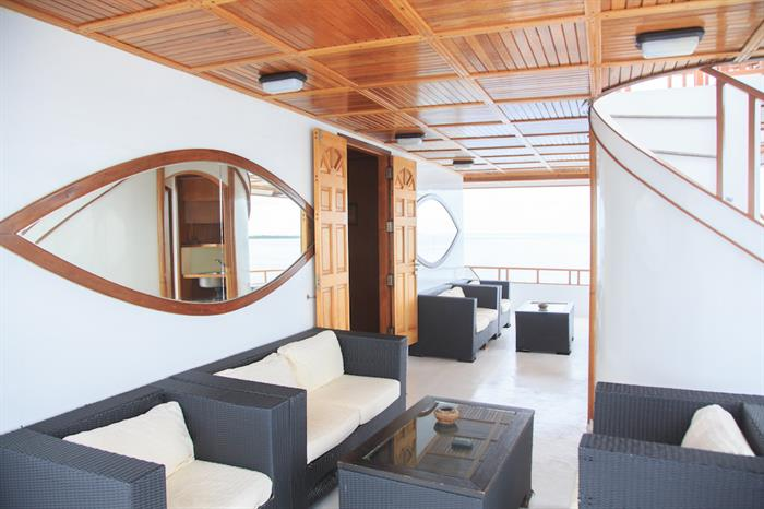 Space to relax onboard Fun Azul