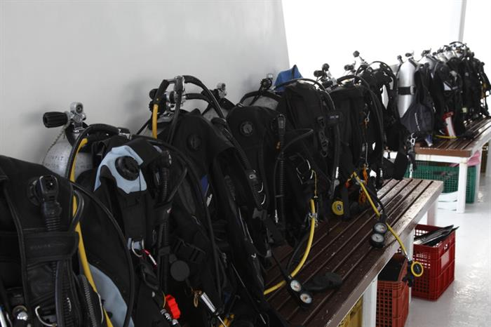 Dive gear on the dive dhoni - Fun Azul
