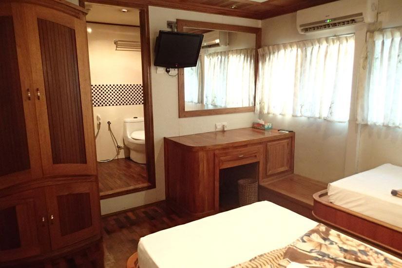 Master Twin Cabin with en-suite facilities - Fun Azul