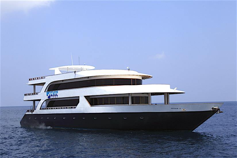 Fun Azul at sea in the Maldives