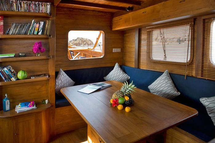 Mantra Liveaboard Indonesia