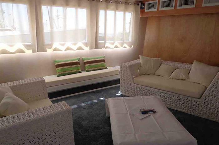 Indoor lounge area - Avalon II Cuba