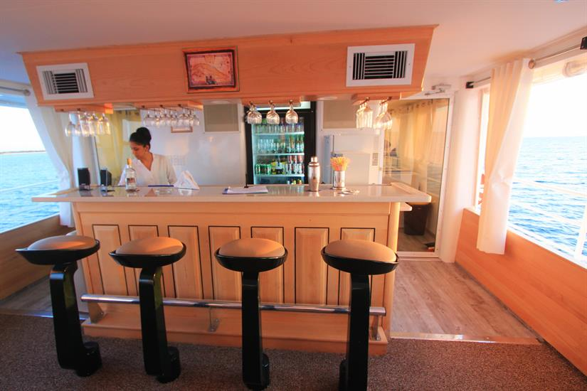 Top deck bar aboard the Avalon II Liveaboard