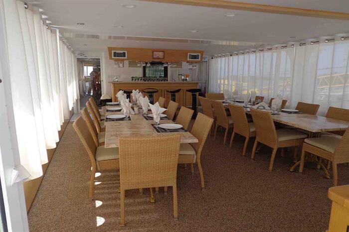 Indoor dining area - Avalon II Cuba