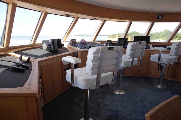 Captains bridge - Avalon II