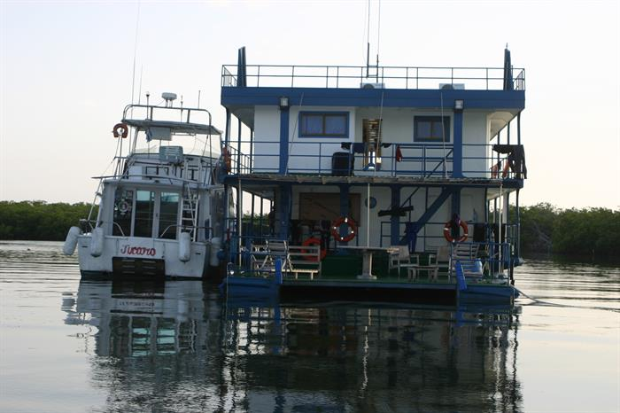 Tortuga House Boat - Jardines de la Reina Cuba