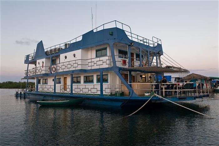 Tortuga Floating Hotel - Cuba