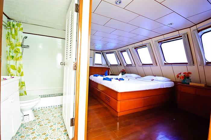 Master Cabin with panoramic view - Deep Andaman Queen