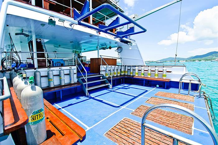 Large Dive Platform - Deep Andaman Queen