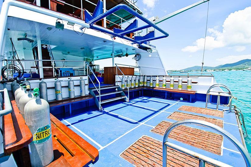 Large Dive Platform - Deep Andaman Queen