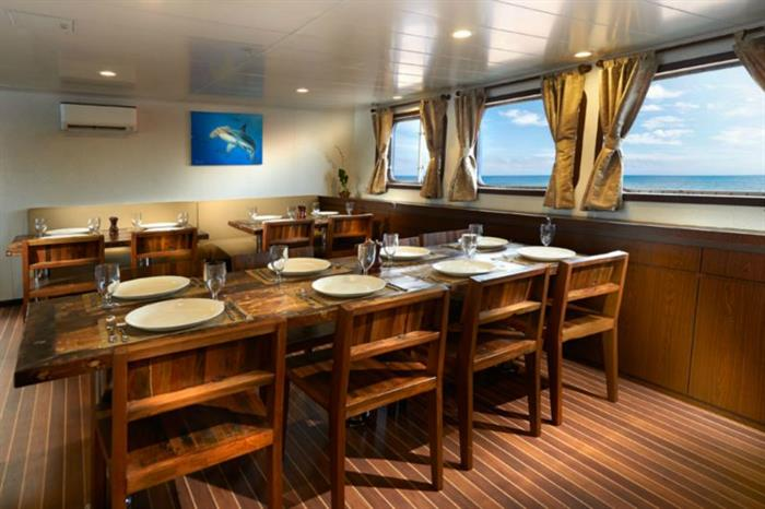Blue Manta Liveaboard Intimate Dining