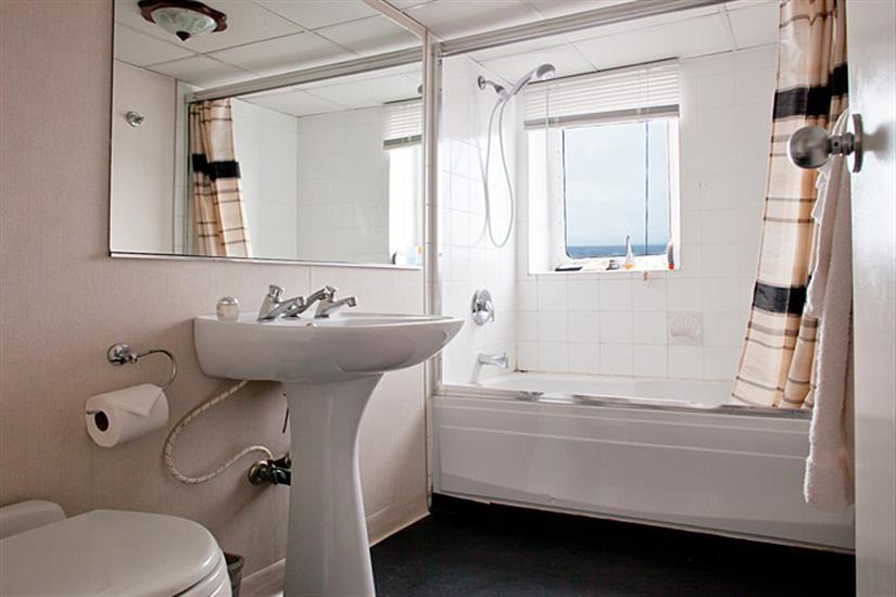 Premium cabin bathroom facilities - Nautilus Explorer