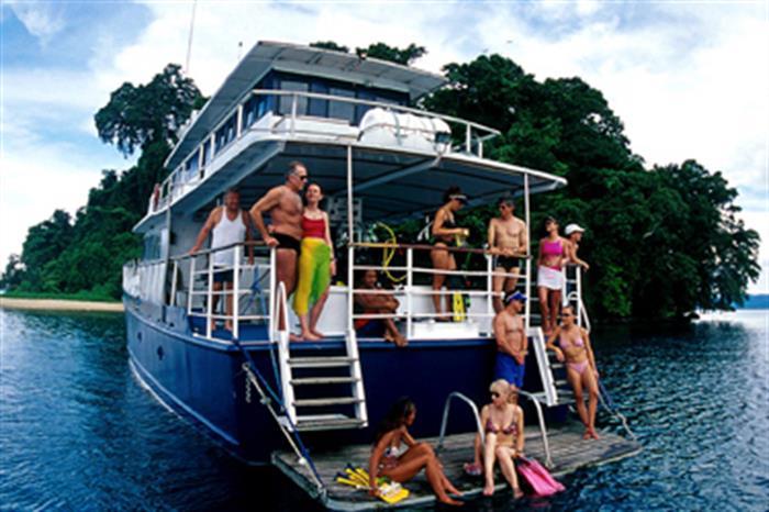 Dive deck & platform onboard Febrina