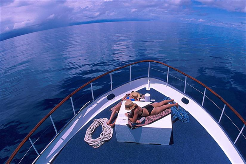 Enjoy the amazing waters of Papua New Guinea - Febrina
