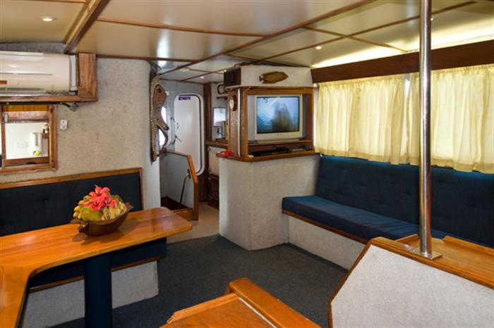 Lounge/Salon area to relax - Febrina liveaboard
